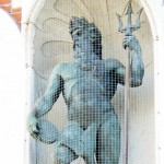Neptun som pryder sparbankshuset i Ystad